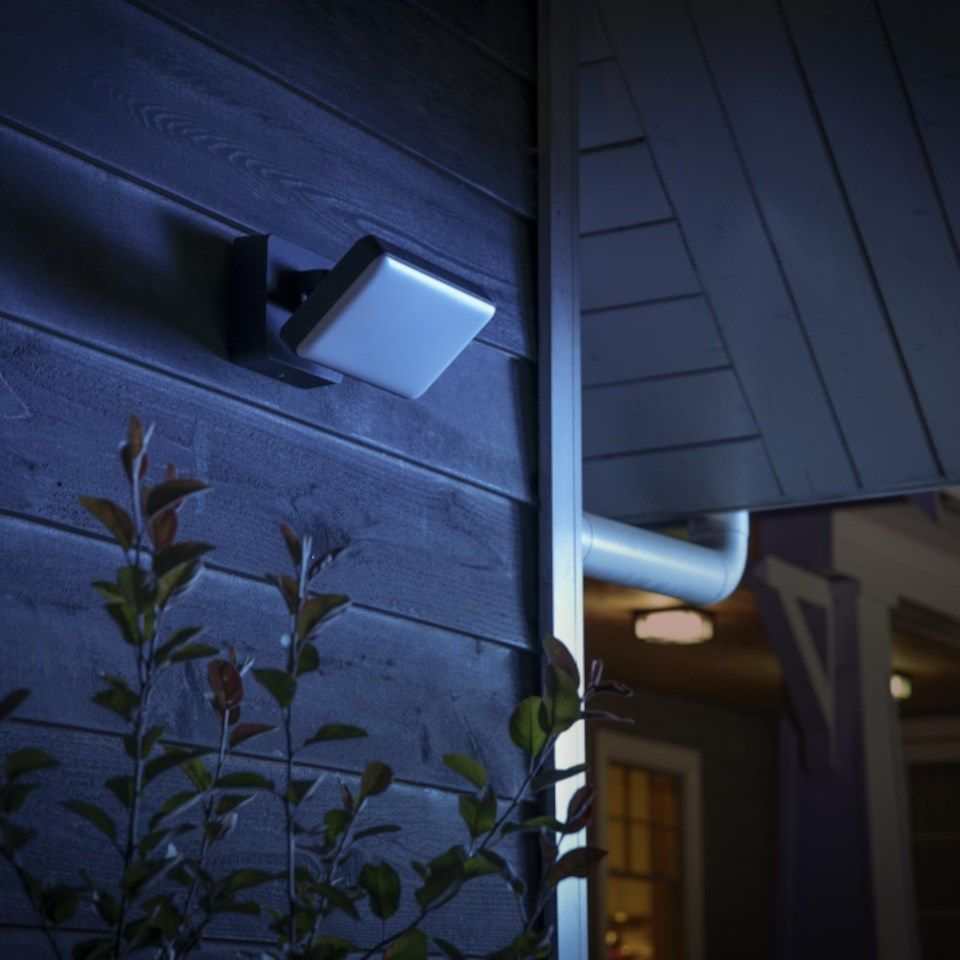 Philips Hue Discover Flood Light 2300 lm
