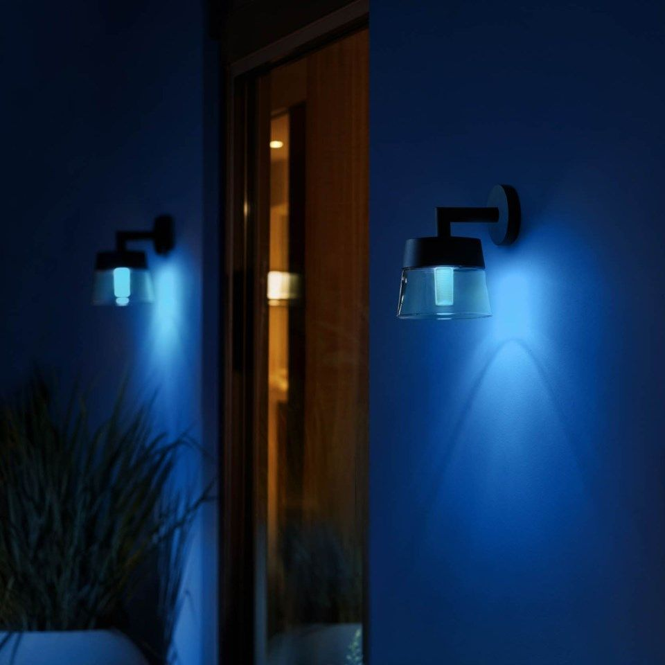 Philips Hue Attract vägglampa
