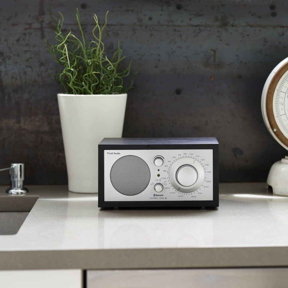 Model One BT Radio med Bluetooth Svart
